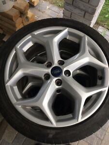Ford Focus ST rims/tires