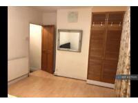 1 bedroom flat in Victoria Road, Barking, IG11 (1 bed)