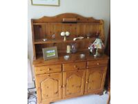 Welsh dresser in pine. Excellent condition