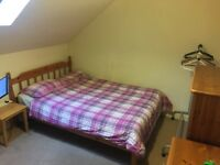 double room FESTIVAL LET now - end Aug - no deposit - move in today MR