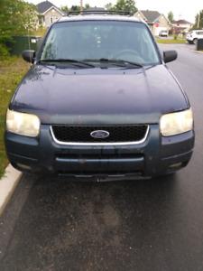 Ford Escape 2003-V6/ 4X4