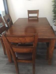 Dining room set-extendable table