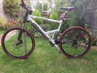 Mountain Bike (Cannondale Jekyll Leftie)