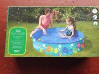 Kids paddle pool