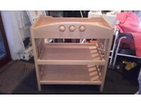 MAMMA & PAPAS BABY CHANGING TABLE EXCELLENT CONDITION