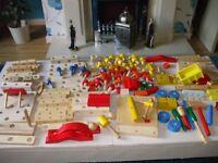 CHILDS WOODEN, BUILDING / CONSTRUCTION SET