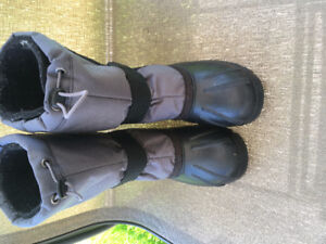 Kamik Snow boots - Youth size 3