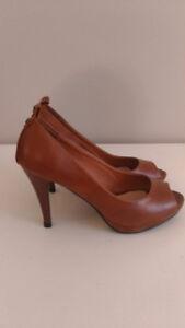 Suzy Heels Size 8