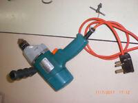 B & D mains electric drill