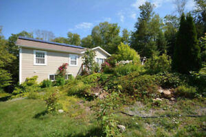 Beautiful Home in Middle Sackville!