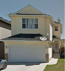 BEAUTIFUL HOME IN BRIDLECREST - MOVE IN IMMEDIATELY