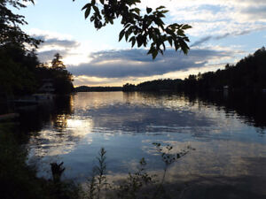 Waterfront house at great price on Lac McGregor