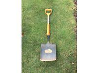 Insulated shovel