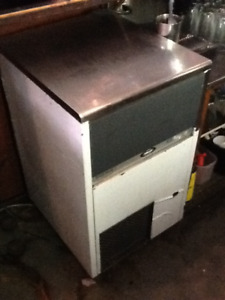 Perfect Condition BREMA CB425A Restaurant Ice Machine