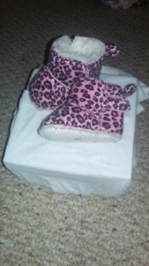 Baby girls shoe's each pair  $5 or bag for $20