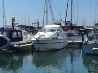 Sealine 255 Sports Cruiser Boat 26,6 long petrol in Harbour