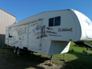 Kid Hauler!! 2006 Wildcat 5th Wheel 31 FT Quad Bunk