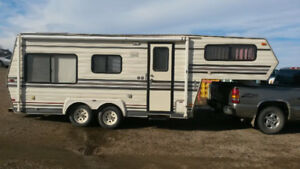 Travelaire 5th Wheel Trailer