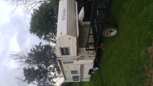 21 ft travel trailer. Fifth wheel hitch included