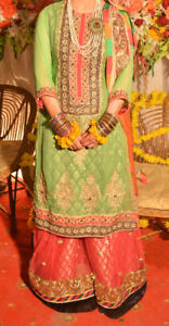 Traditional Pakistani Mehndi Outfit