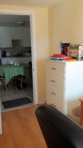 • Only one housemate • $450 • Downtown Hull• Available Aug 1 •
