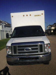 2012 Ford E450 Super Duty Cube van