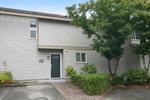 (VIRTUAL TOUR) Greenside Estates Desirable Cloverdale Locatio...