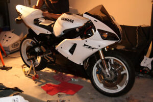 2002 YAMAHA R6 - ONE OWNER - ONLY 4300KM - TRADE FOR??