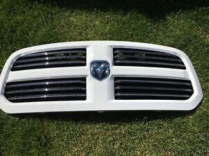 Brand new grill from 2017 Ram