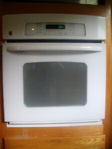 GE WHITE WALL OVEN