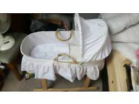 Rocking Moses basket with extra covers