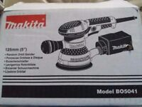Makita BO5041 Random Orbital Sander RRp £129