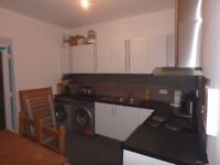 5 Bedroom House Share 1 en suite Room available with Kitchenette