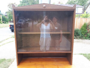 ANTIQUE WOOD HUTCH. TOP ONLY