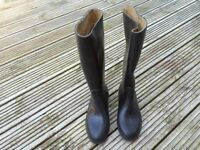 Childs Riding Boots, Black Full Length Size 33 ( one and a half ). Excellent Condition.