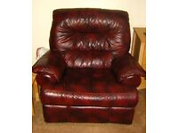 Massively reduced cost of this Superb Burgundy Leather 3 piece suite in excellent condition