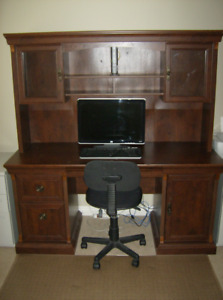 Office display desk/cabinet, bookcase and chair