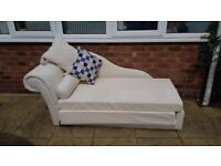Cream Chaise Longue (sofa bed)