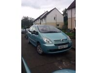 Great value Picasso 1.6 years mot