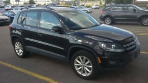 2017 Volkswagen Tiguan Wolfsburg Edition | 2.0T | AWD | LEATHER