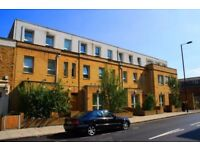 Beautiful Modern One Bedroom Duplex Apartment E14