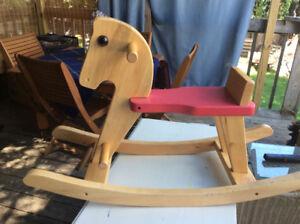 Petit cheval de bois pour bébé  § Small child Rocking horse wood