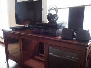 Sony Home Entertainment System - TV, Blue Ray, DVD player, stand