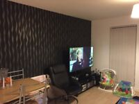 Large 2 double bed apartment in salford quays with parking