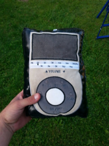 Cool Black leather ipod pillow radio really works!!