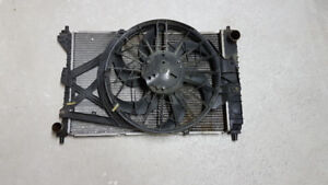 1996 - 2004 FORD MUSTANG 4.6 GT RADIATOR + FAN