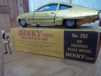 Vintage Dinky UFO Shado 2 & Ed Strakers Car corgi solido action man