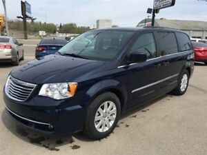 2013 Chrysler Town & Country Touring w/power slide doors & back