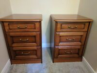 Lovely Pair of John E. Coyle Bedside Cabinets in Cherry Wood/Mahogany
