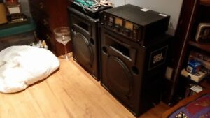SPEAKERS SOUND BOARD AND AMP